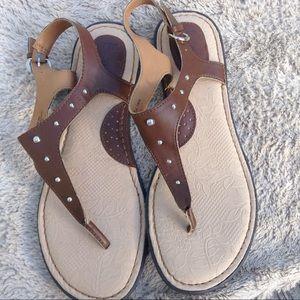NWOT b.o.c. Sandals